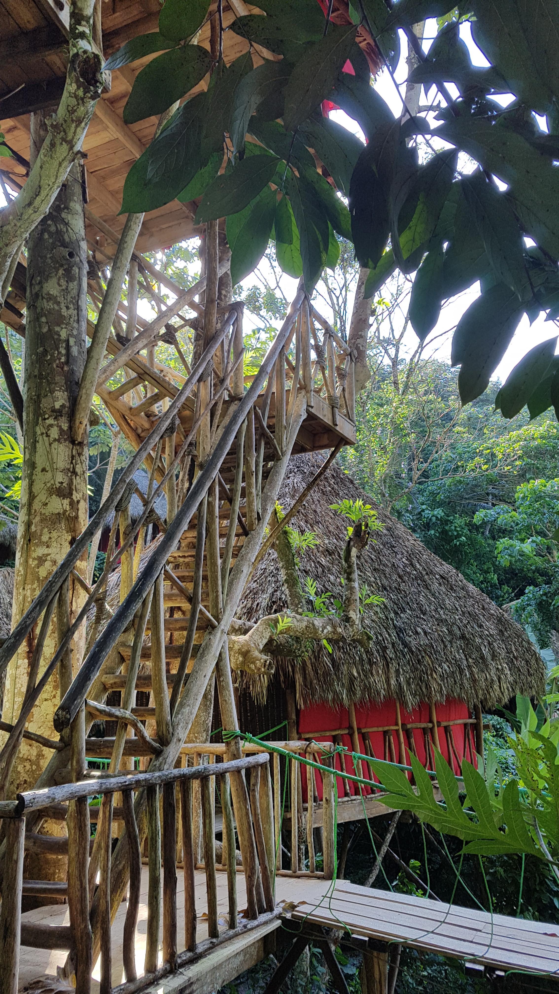Unser Haus Ist Aber Auf Stelzen Erbaut Und Vom Prinzip Her Auch Ein Baumhaus.  Das Wird Abenteuerlich Und Romantisch Werden!